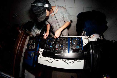 DJ-Ei1
